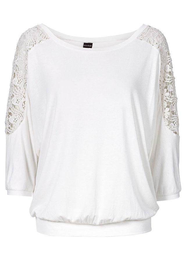 Oversized Tričko s čipkou biela vlna • 11.99 € • bonprix b175c73fadc