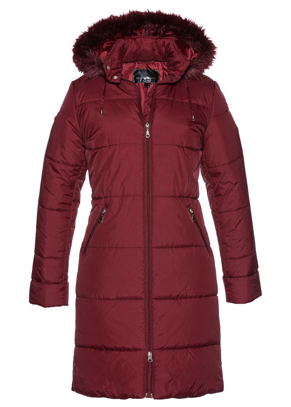 Стеганое пальто с капюшоном, отделанным искусственным мехом