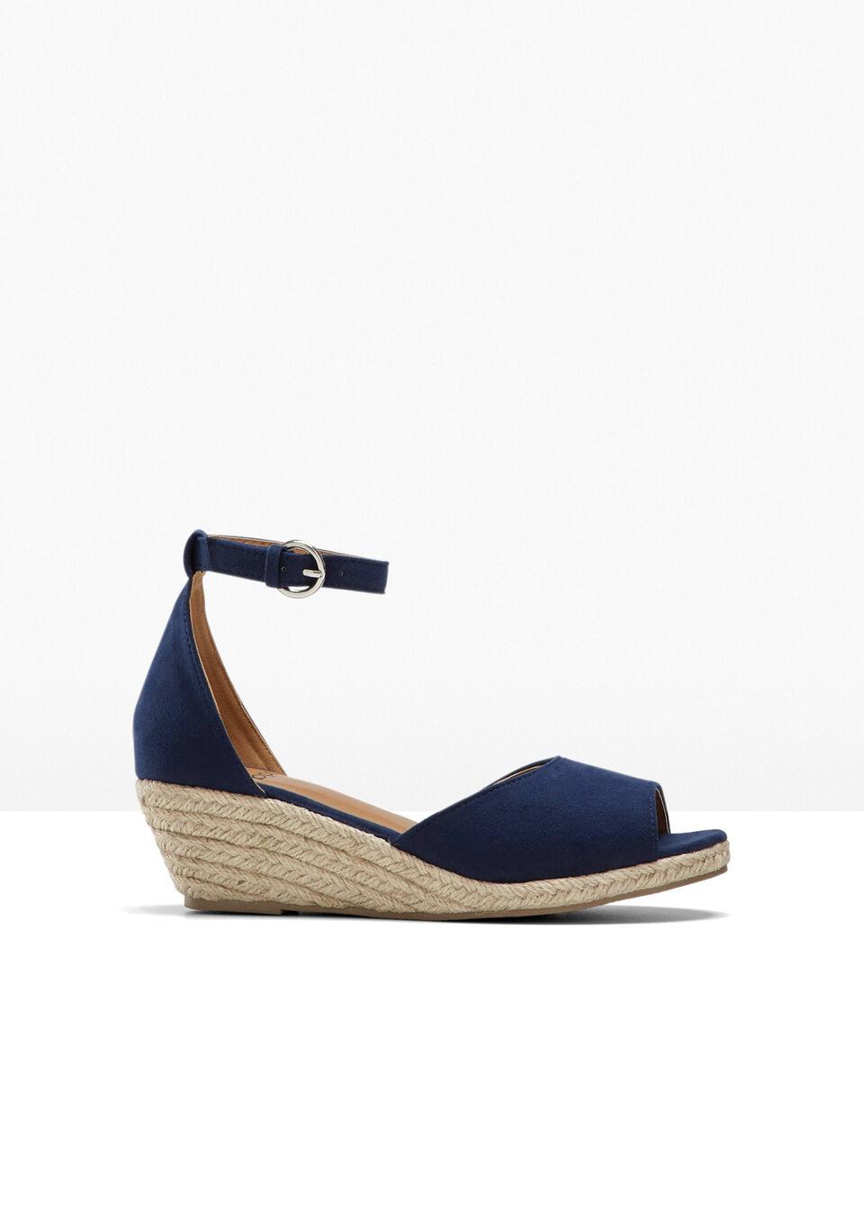 Sandały na koturnie bonprix niebieski